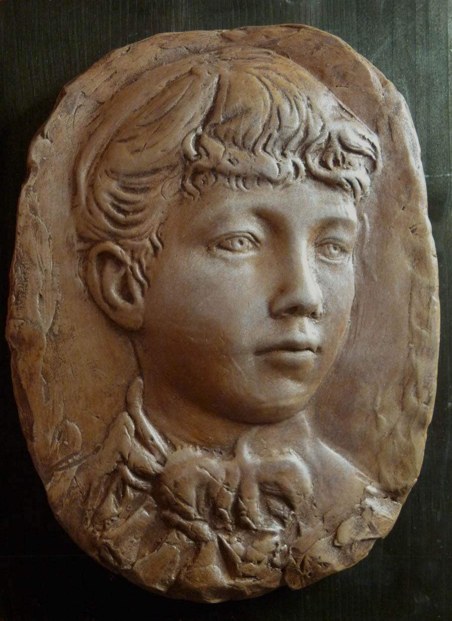 rilievo rinascimentale viso donna scultura terracotta